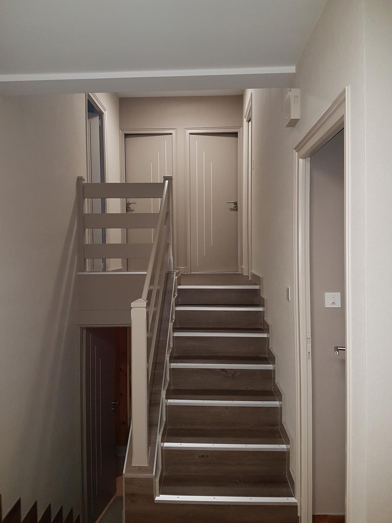 Amenagement escalier peinture et lames PVC - La Flocelliere